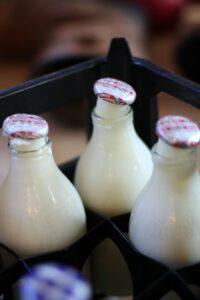 Лед в молочной бутылке